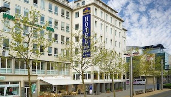 Eingang Best Western Wellness Hotel Zur Post